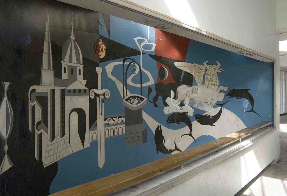 Bevin Court Mural by Peter Yates for Berthold Lubetkin